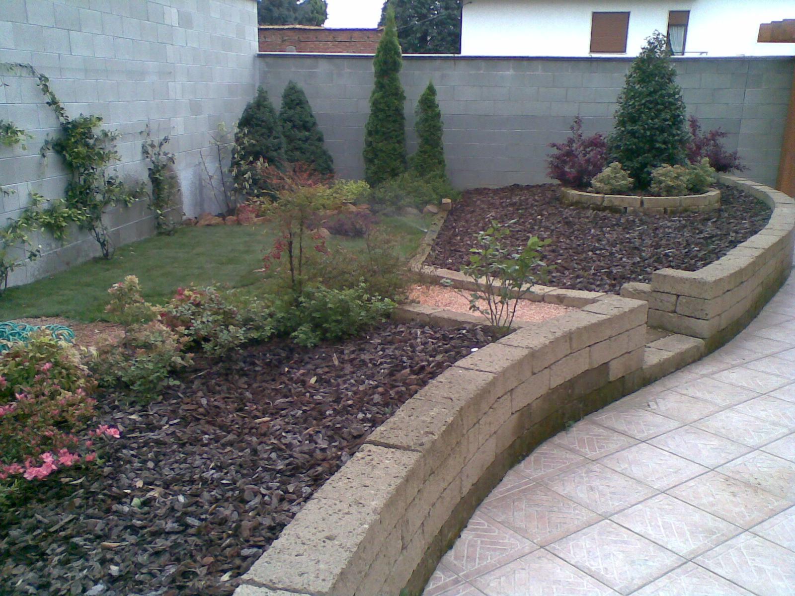 Manutenzione giardini a lainate milano for Manutenzione giardini