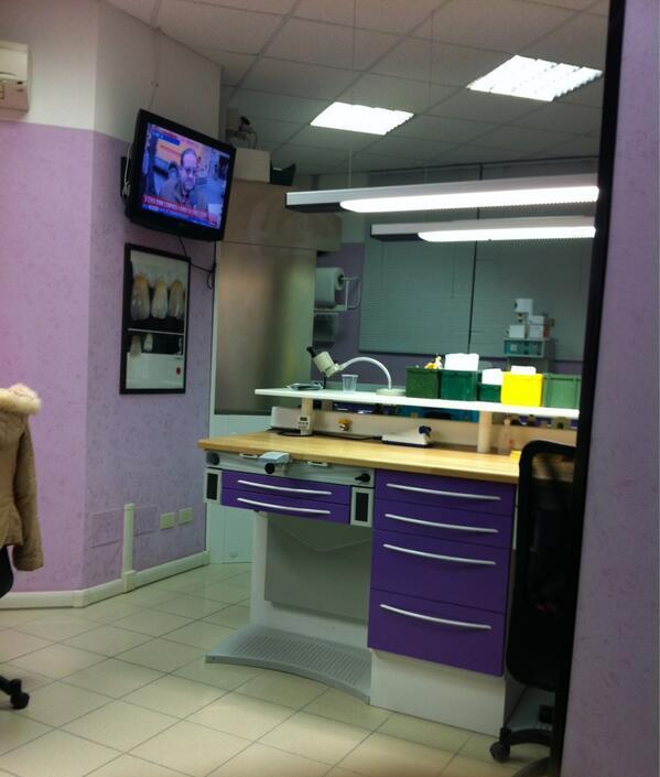Laboratorio odontotecnico castelli romani for Arredamento laboratorio odontotecnico
