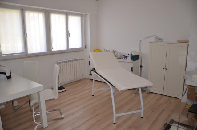 Visita reumatologica roma sud for Arredamento studio medico