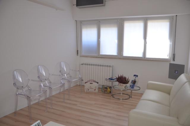 Visita reumatologica roma sud for Arredamento per studio medico